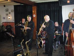 De Whaletown Jazzband in actie (20 februari 2011 in de Spoorzoeker)
