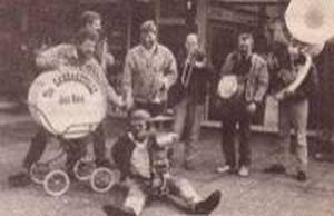 De Cabbageville Jazzband heeft een aantal jaren deelgenomen aan het festival. Op banjo herkennen we Wouter Borgers (nu o.a. Chicago Jazzband - bassax) (januari 1987)