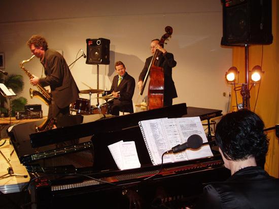 """Het lukte uiteindelijk toch om het """"Heleen Schuttevaer Kwartet"""" op 30 maart 2007 naar Heerhugowaard te laten afreizen."""