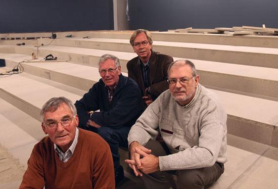 Het bestuur in december 2004