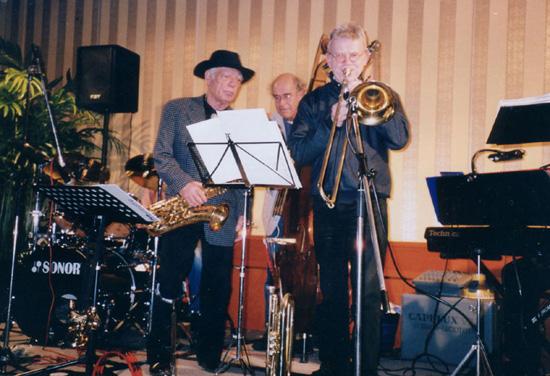 """""""Jive at Five"""" in het Event-Centra van De Zandhorst tijdens de clubavond van 25 januari 2002."""
