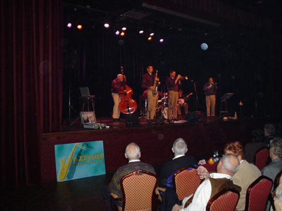Uit Hardenberg kwam de voortreffelijke Sunny Side Jazzband. Zij hadden tijdens de clubavond van 19 december 2003 veel succes!