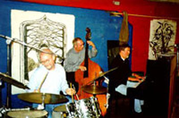 Walter Mooij Jazz Trio in januari 2000 met v.l.n.r. Joop Kooger, Henk Kooger en Walter Mooij (januari 2000)