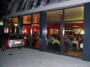 Een inkijk in Café Cool tijdens een jazzmiddag